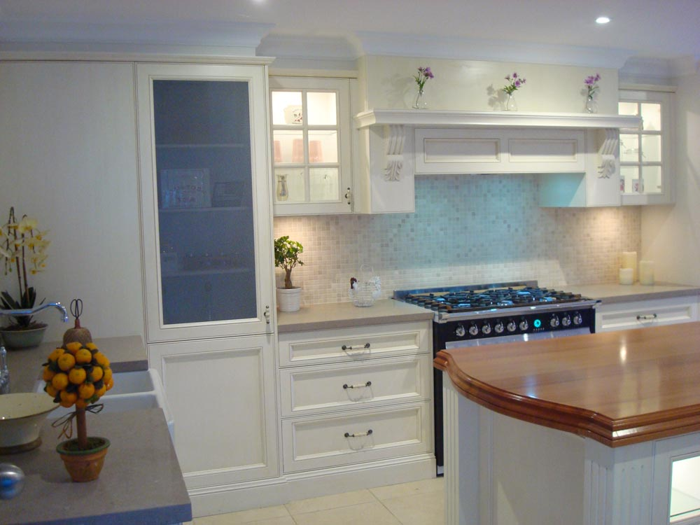 Hand Painted Traditional Kitchen 02 11