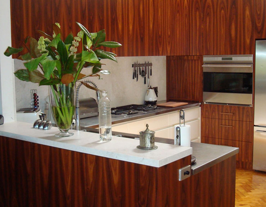 timber veneer kitchen feature01